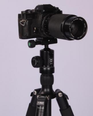 Camera tripod shooting skills - light control